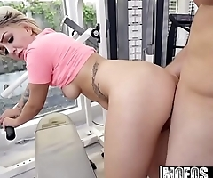 Mofos - Dont Break Me - (Pressley Carter) - Trainer Stretches Pressley Out