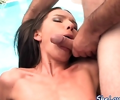 Skinny euro babe doublepenetrated outdoors
