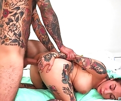 After shower inked brunette gets stretched by her BF