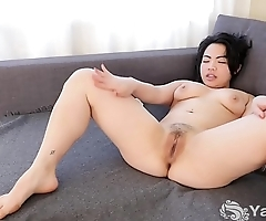 Yanks Asian Hope Gold'_s Delectable Body