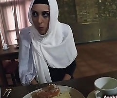 Delicious pussy pleased by stranger